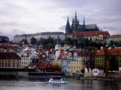 Управляла покупки недвижимости в Чехии