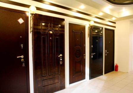 Преимущества металлических дверей.