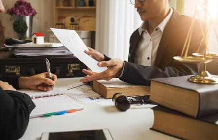 В каких случаях и кому требуется бесплатная юридическая консультация